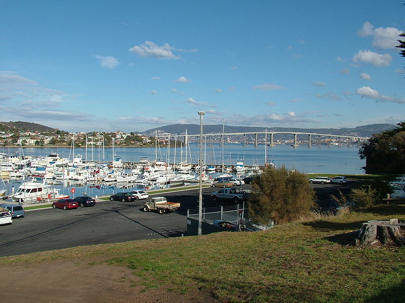 Lindisfarne Australia  city images : Lindisfarne Bay Tasmania | World Easy Guides