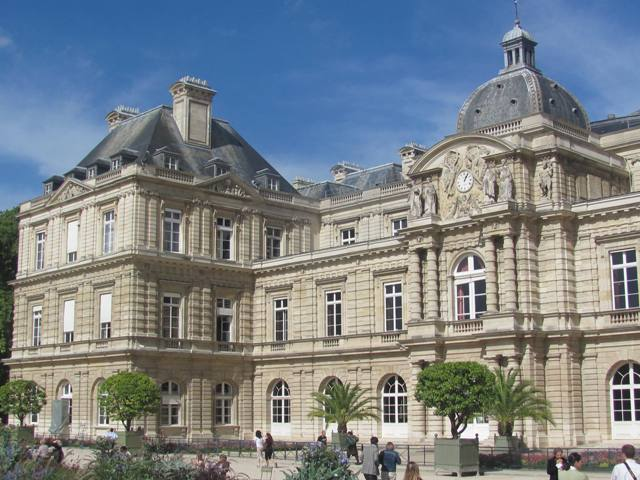 palais du luxembourg in paris world easy guides. Black Bedroom Furniture Sets. Home Design Ideas